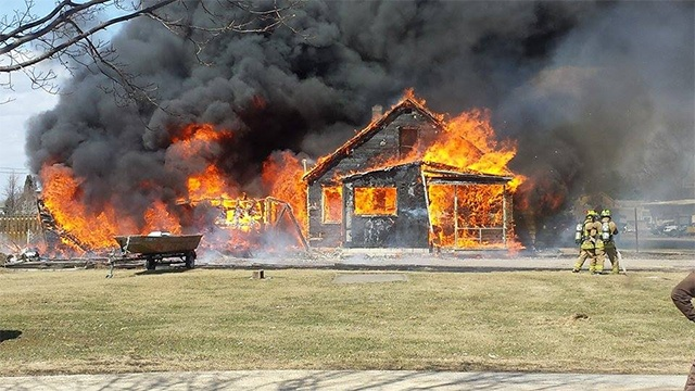 House fire in Leon closes Hwy 27
