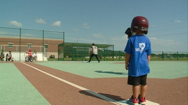 La Crosse Loggers play ball with Miracle League