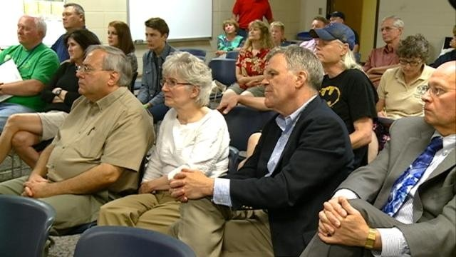 La Crosse residents weigh in on Lot C project