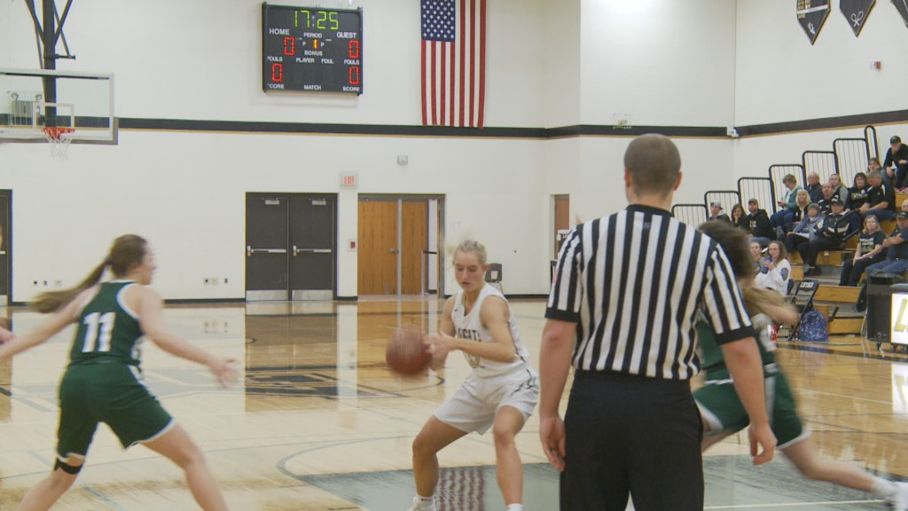 Luther girls win fourth game in a row