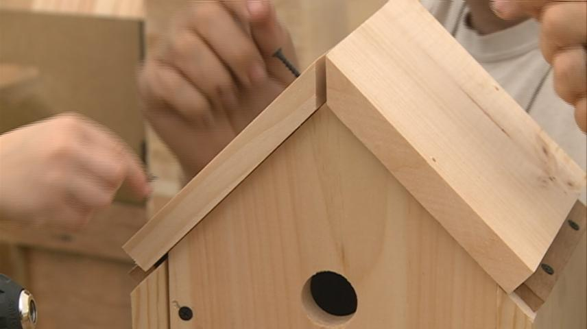Wood working stand provides new option at Riverfest for kids, adults