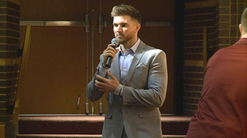 Former La Crosse Logger talks eating disorders and coping during Holmen high School visit