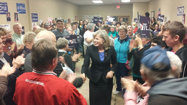 Mary Burke pushes for La Crosse residents to vote early