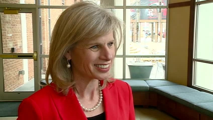 Mary Burke campaigns throughout Wisconsin