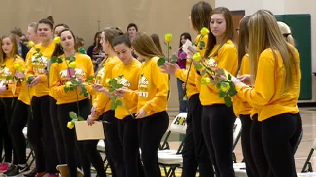 Melrose-Mindoro sends girls basketball team off to state for first time