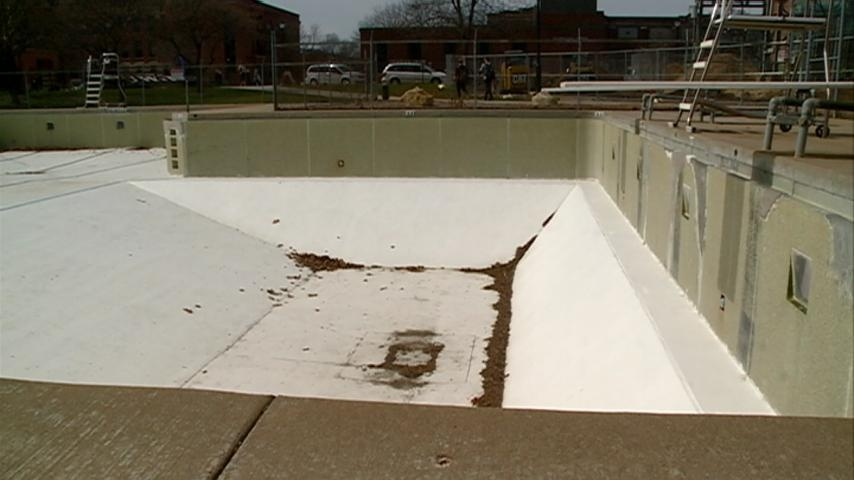 Open house answers questions about Memorial Pool