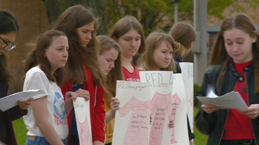 Students raise awareness of violence against indigenous women