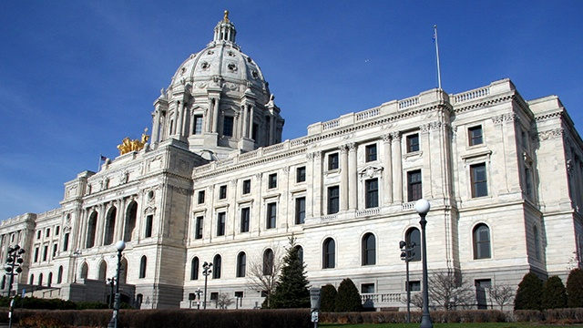 Minnesota gov. to sign bills avoiding government shutdown
