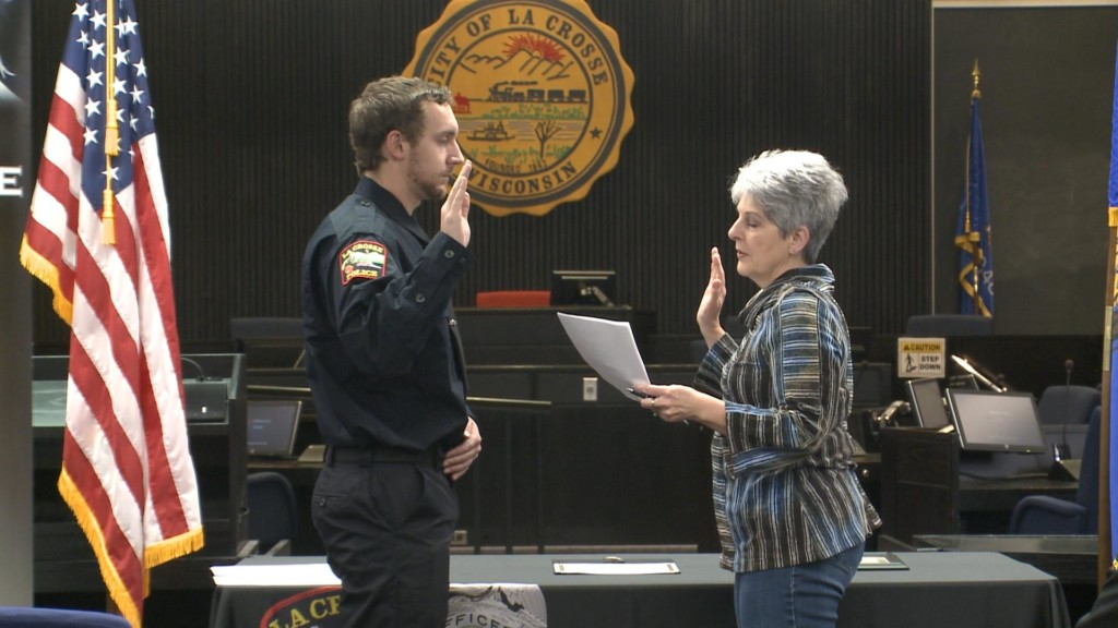 Swearing in ceremony held for new, promoted members of La Crosse Police Department