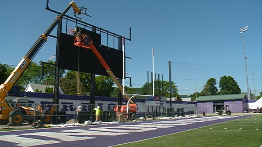 New stadium videoboard installation underway at Winona State