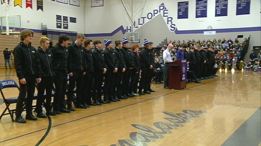 Onalaska Co-Op boys hockey head to state tournament