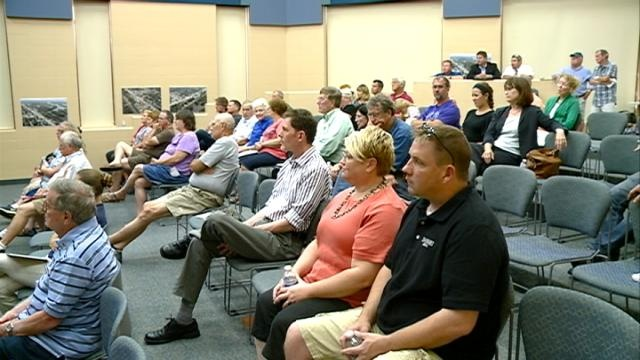 Onalaska residents learn more about Grand River Landing project