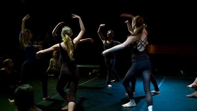 Performance brings together writing, dance