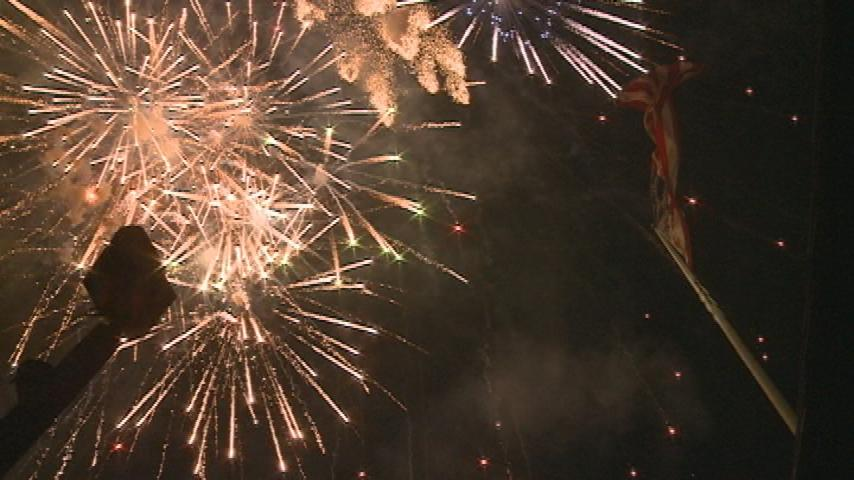 Frigid temperatures disrupts annual fireworks display