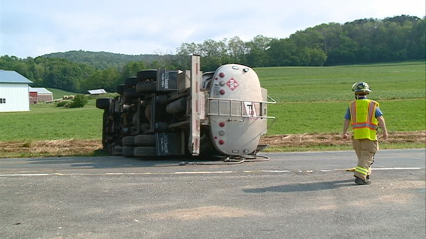 Fuel tanker overturns near West Salem