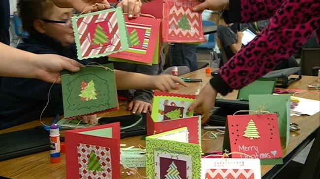Students make Christmas cards for seniors