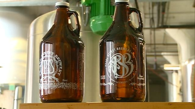 Wisconsin grocers want to refill growlers in stores