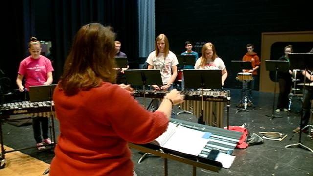 Growing Holmen band in need of more uniforms