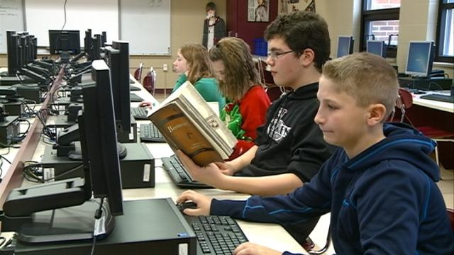 Holmen students expected to pay it forward