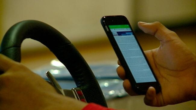 High schools teach dangers of texting and driving