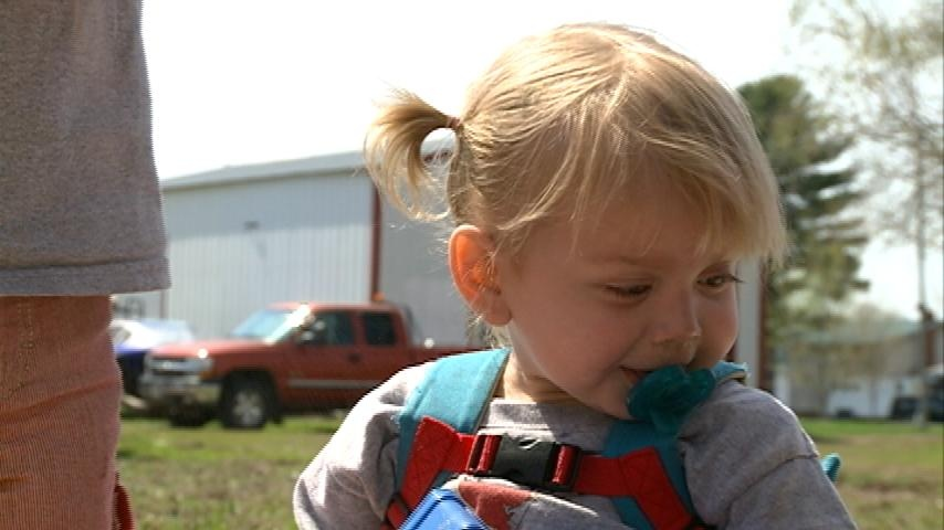 Holmen girl's fight with intestinal disorder inspires family to give back