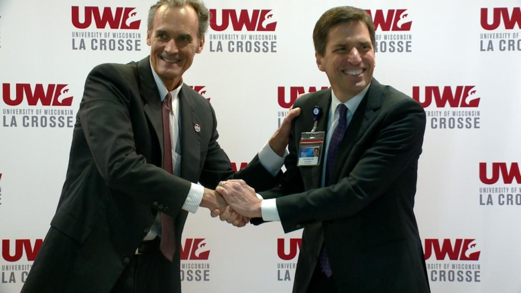 UW-La Crosse and Mayo Clinic Health System officially sign agreement to improve health locally