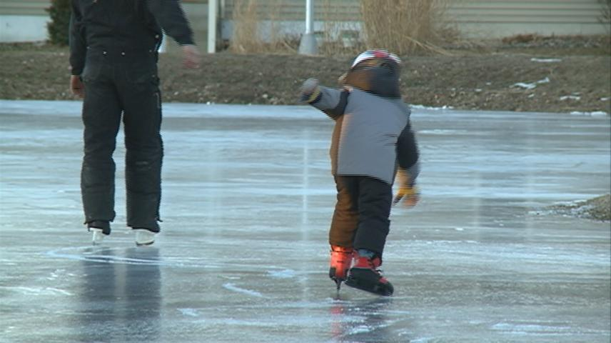 La Crosse's Poage Park opens its ice rink for the winter season