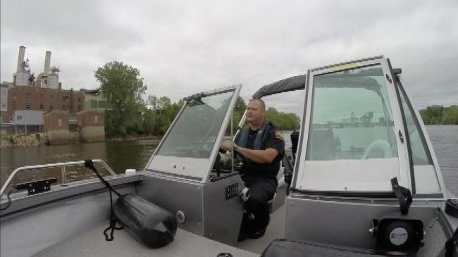 Police save three boaters after boat capsizes on Black River