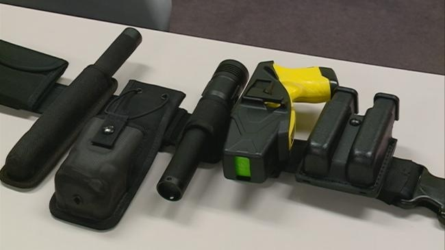 Officers told to disarm in court during La Crosse jury trial