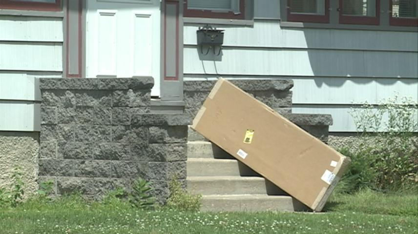 La Crosse Police give tips to avoid 'Porch Pirates'