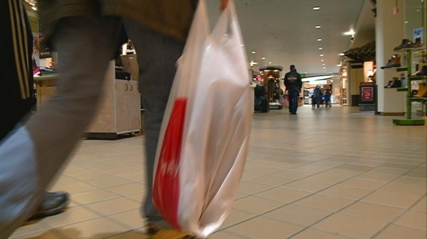Local retailers see surge of shoppers day after Christmas