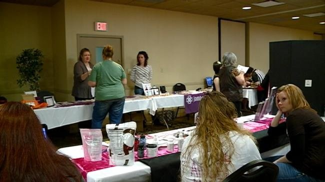 Prom Expo held for last minute shoppers