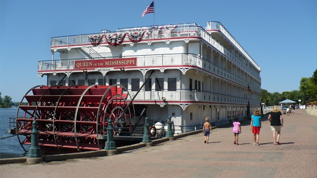 American Queen visits La Crosse