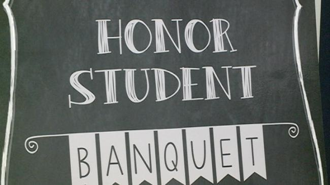 La Crosse Area Chamber of Commerce Foundation hosts honor student banquet