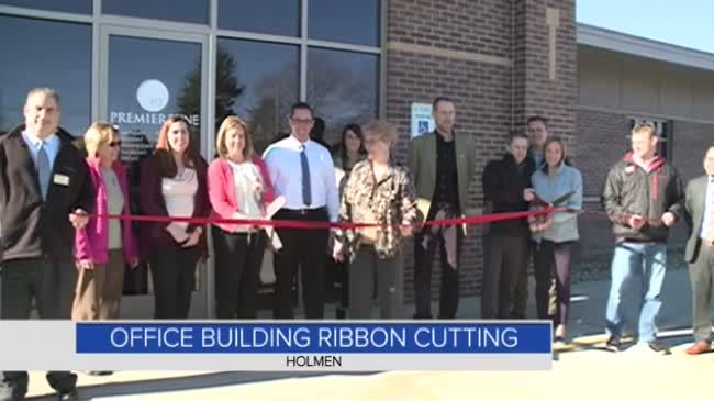 Holmen officials celebrate grand opening of new office building