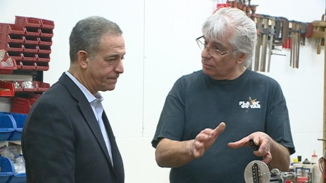 Feingold visits with business owners in La Crosse
