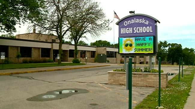 School districts plan for budget with state aid estimates