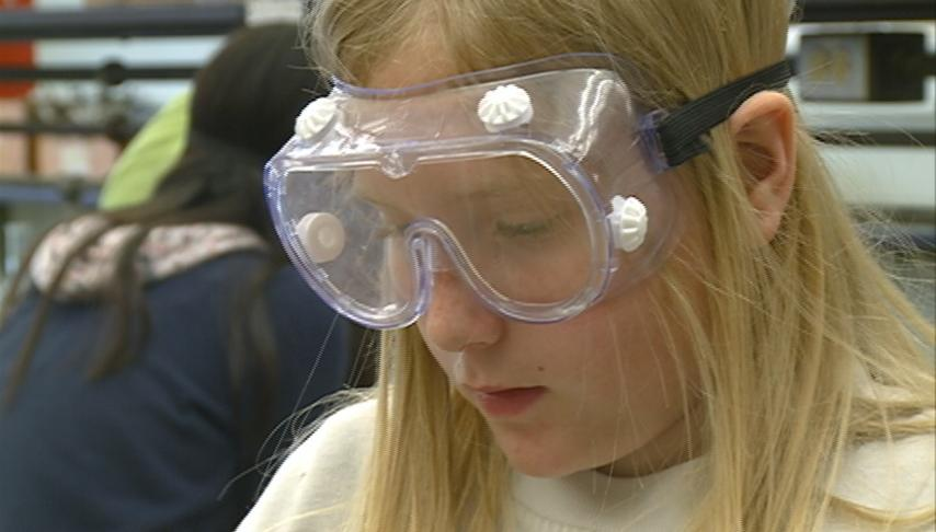 UW-L science camps offer kids hands-on learning