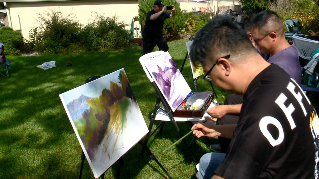Chinese painters arrive in La Crosse ahead of art exhibition