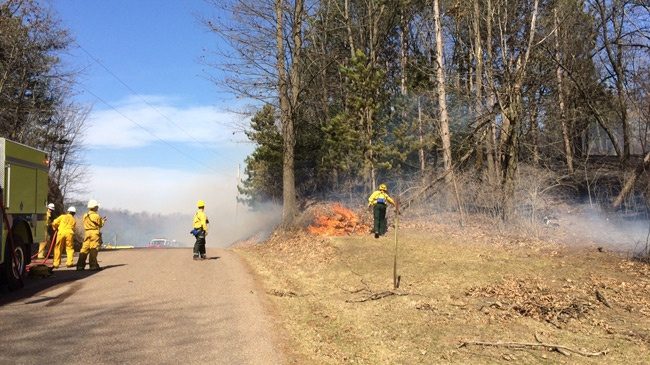 Crews fight grass fire, strong wind gusts in Monroe County