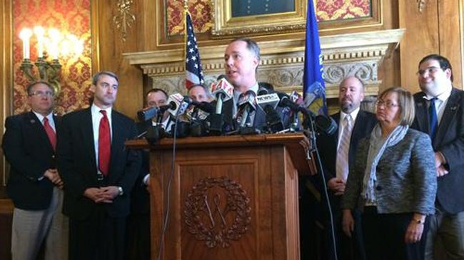 Wisconsin Assembly sends right-to-work bill to Gov. Walker