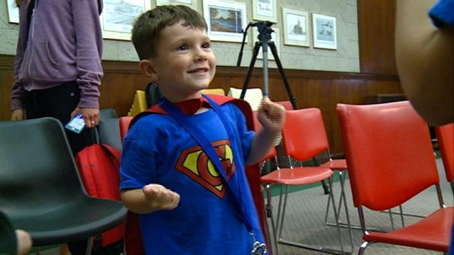 4-year-old Super Gav saves Winona