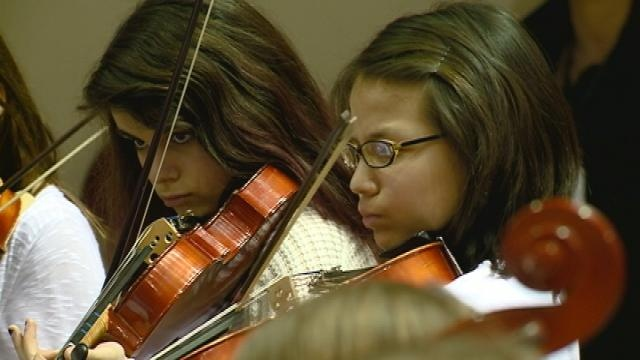 Hundreds of La Crosse students put on All-City String Festival