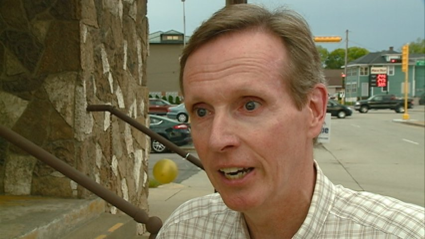 Gov. candidate McCabe holds rally in La Crosse