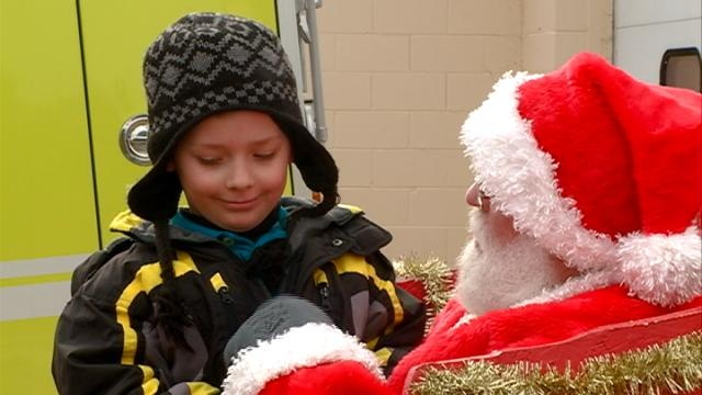 Santa Claus makes early stop in French Island