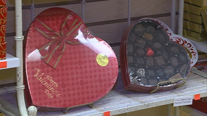 Downtown businesses see Valentine's Day shopping rush