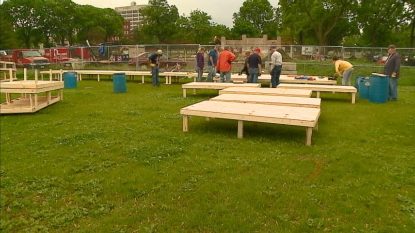 Construction underway for temporary stage in La Crosse's Riverside Park