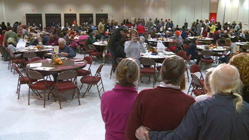 Thousands of people celebrate Thanksgiving in downtown La Crosse