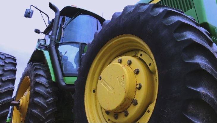 Man chases tractor involved in Highway 14 crash