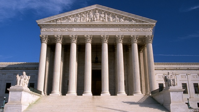 Justices strike down Minnesota voter clothing restrictions